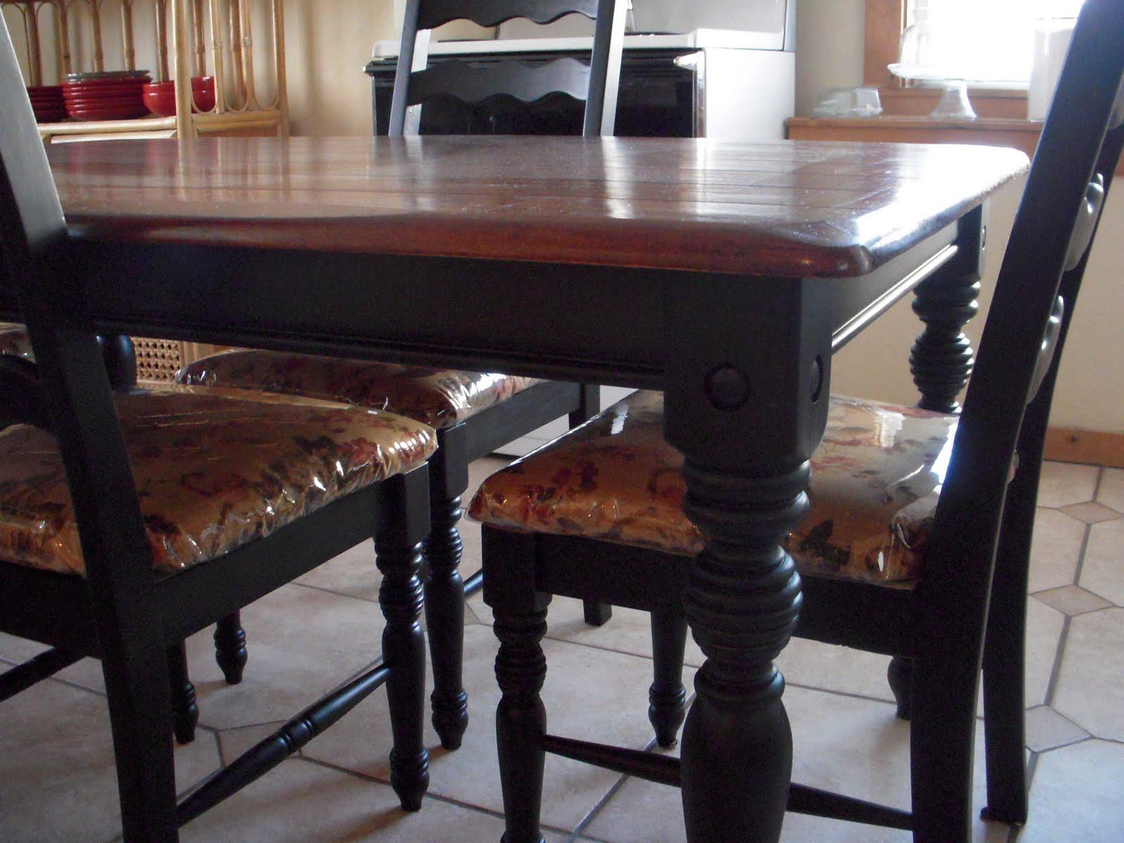 Diy Kitchen Tables White Round Table Set Do It Yourself Divas Makeover