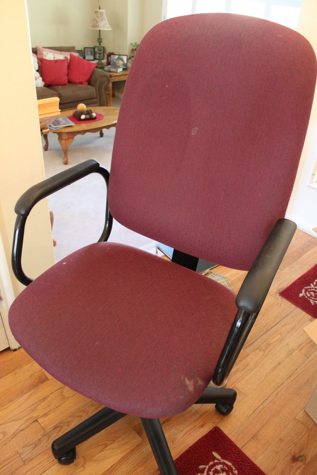 do it yourself divas DIY Reupholster That Ugly Office Chair