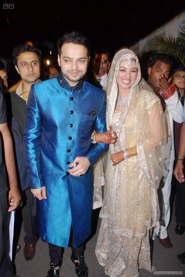 Ayesha Takia Weds Farhan Azmi, Wedding Photos | Tamil