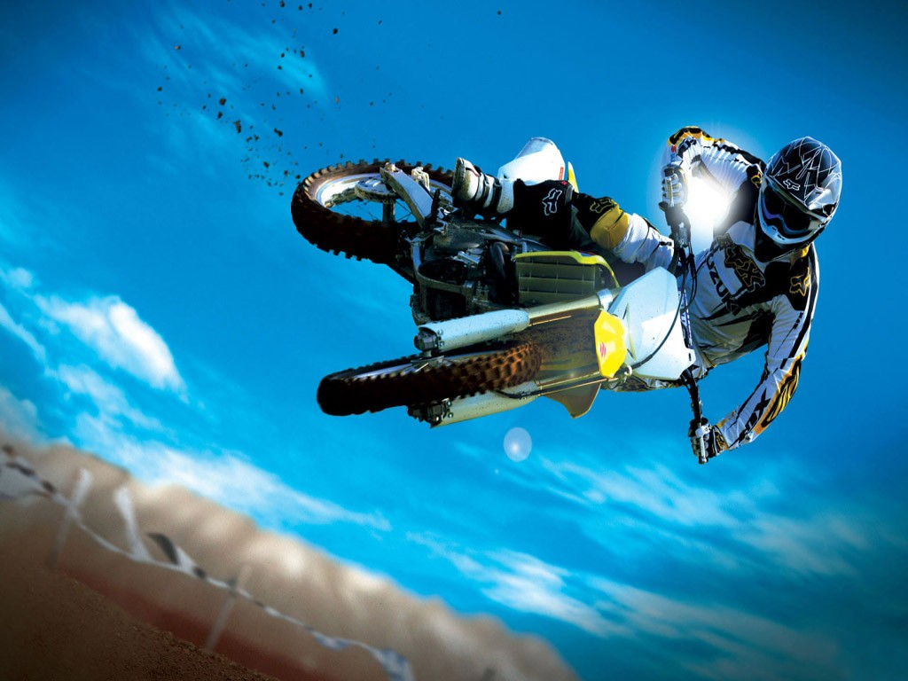 Extreme_sport_blue_sky.jpg