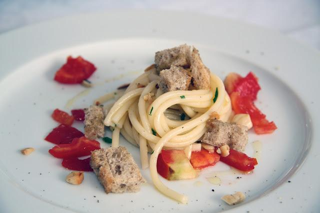 spaghetti alla colatura di alici di Cetara