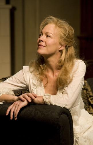 Helen McCrory az egyik színdarabban.