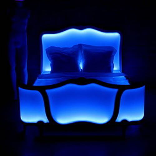light design de la luminoth rapie au lit. Black Bedroom Furniture Sets. Home Design Ideas