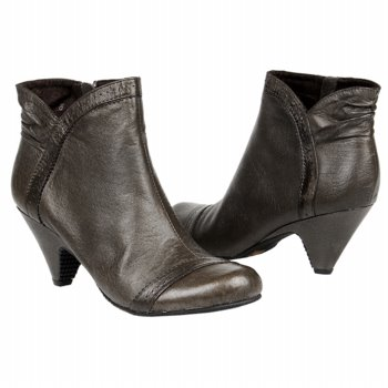 Famous Footwear Save Up To 50 On Boots 10 Off 50 Free