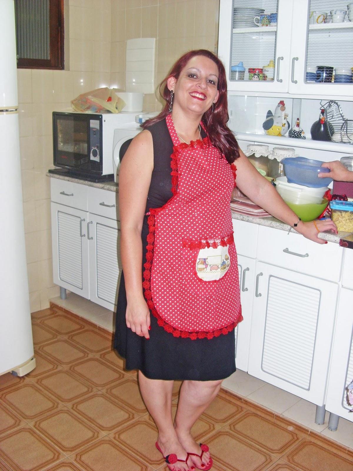 Dona de casa exibi calcinha pro enteado - 2 3