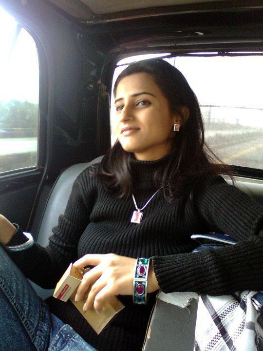 Beautiful Pakistani Colleges Girls Photos-2358