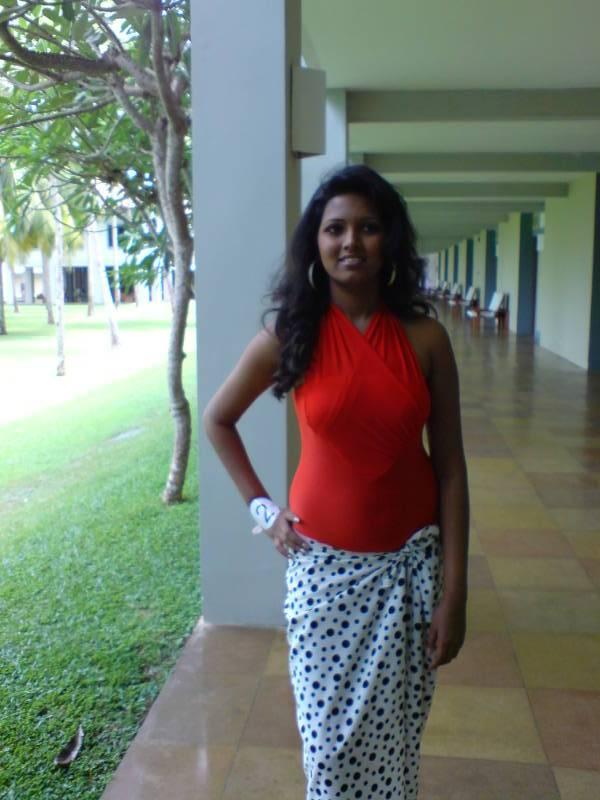 Hot sri lankan tamil teen exposes her delicious body - 4 1