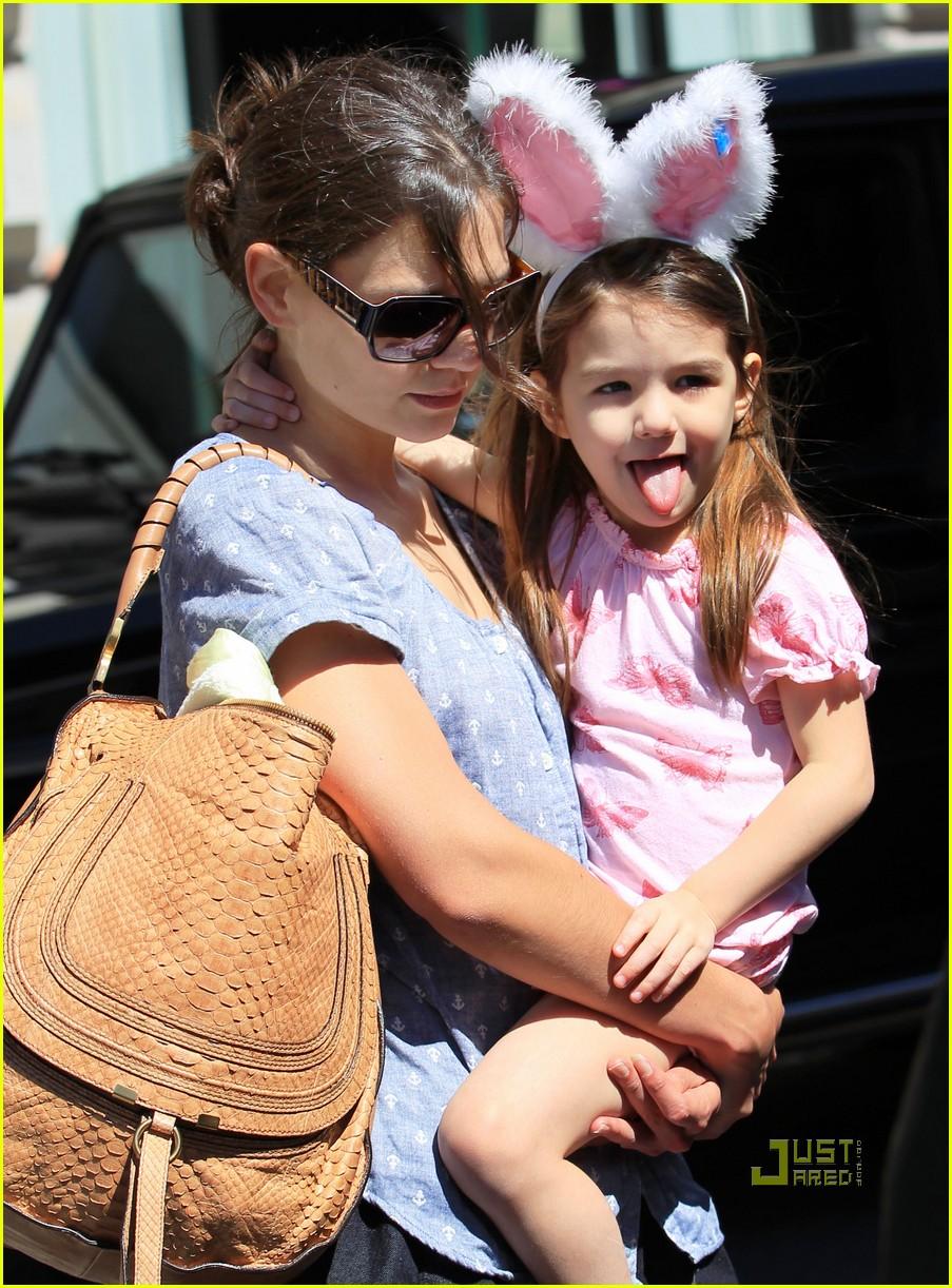 Suri Cruise Pictures Suri Cruise Bunny Ears With Katie