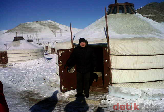 Rumah Mongolia