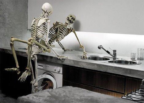 [Skeleton-on-Sex-.jpg]