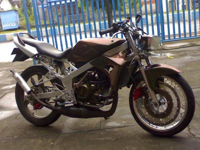Modifikasi Kawasaki Ninja RR 2009 gloss bunglon