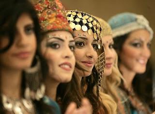 Corona-Massnahmen als Segen - Jordanische Hochzeitspaare sind froh um den Lockdown - News - SRF