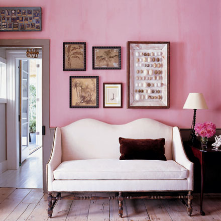 white settee with soft pink walls