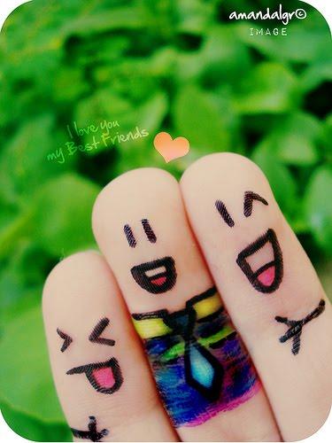 A vida se encarrega de nos dar a felicidade =D