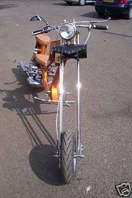 Motos Custom-http://3.bp.blogspot.com/_22st2V4Cvjk/SXBgSPhoAoI/AAAAAAAACOw/y9lEWb2ouwg/s400/lambretta-chopper1.jpg