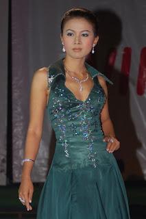 Myanmar Nude Photo: Soe Pyae Thazin