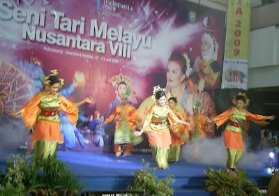 Video Tari Nusantara Tari Yapong Youtube Palembang Daily Photo Festival Seni Tari Melayu Nusantara Viii