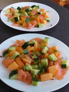 mmmm a sent bon dans la maison salade melon saumon fum concombre. Black Bedroom Furniture Sets. Home Design Ideas