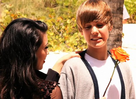 Hot pic: Catch Up: Justin Bieber And Kim Kardashian ...