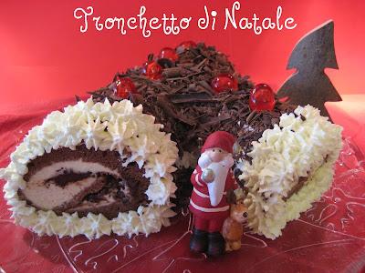 Come Decorare Un Tronchetto Di Natale.Pasticciando In Cucina Tronchetto Di Natale Buche De Noel