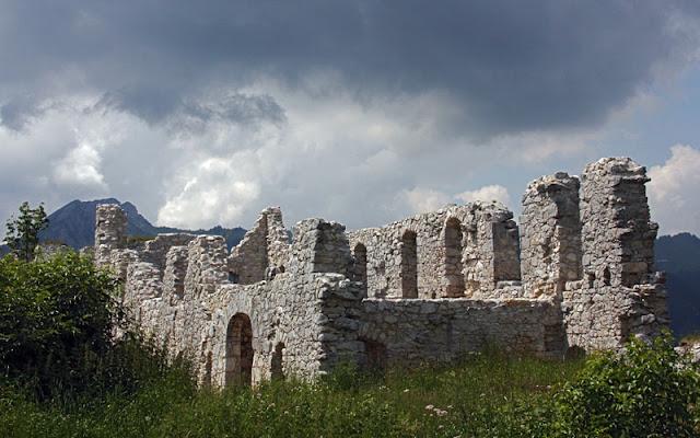 Schloßkopf castle ruins