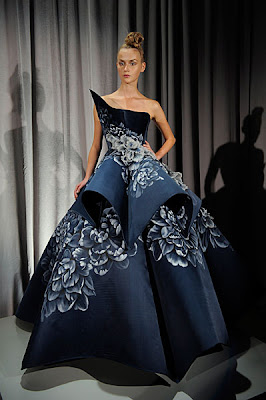 2959c812fa6 It's only appropriate, for Marchesa embodies the true meaning of looking  elegant, feeling amazing and giving all of us mere mortals something  absolutely ...