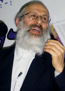 Rabbi Forbids Participating in Talkbacks and Website Comments Sections