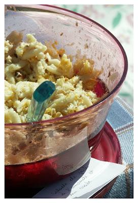 Salade de pâtes à l'amande, au crabe et à la mimolette extra-vieille
