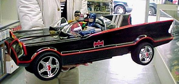 Custom 1966 BATMOBILE 1/6th Scale Model Kit With Batman