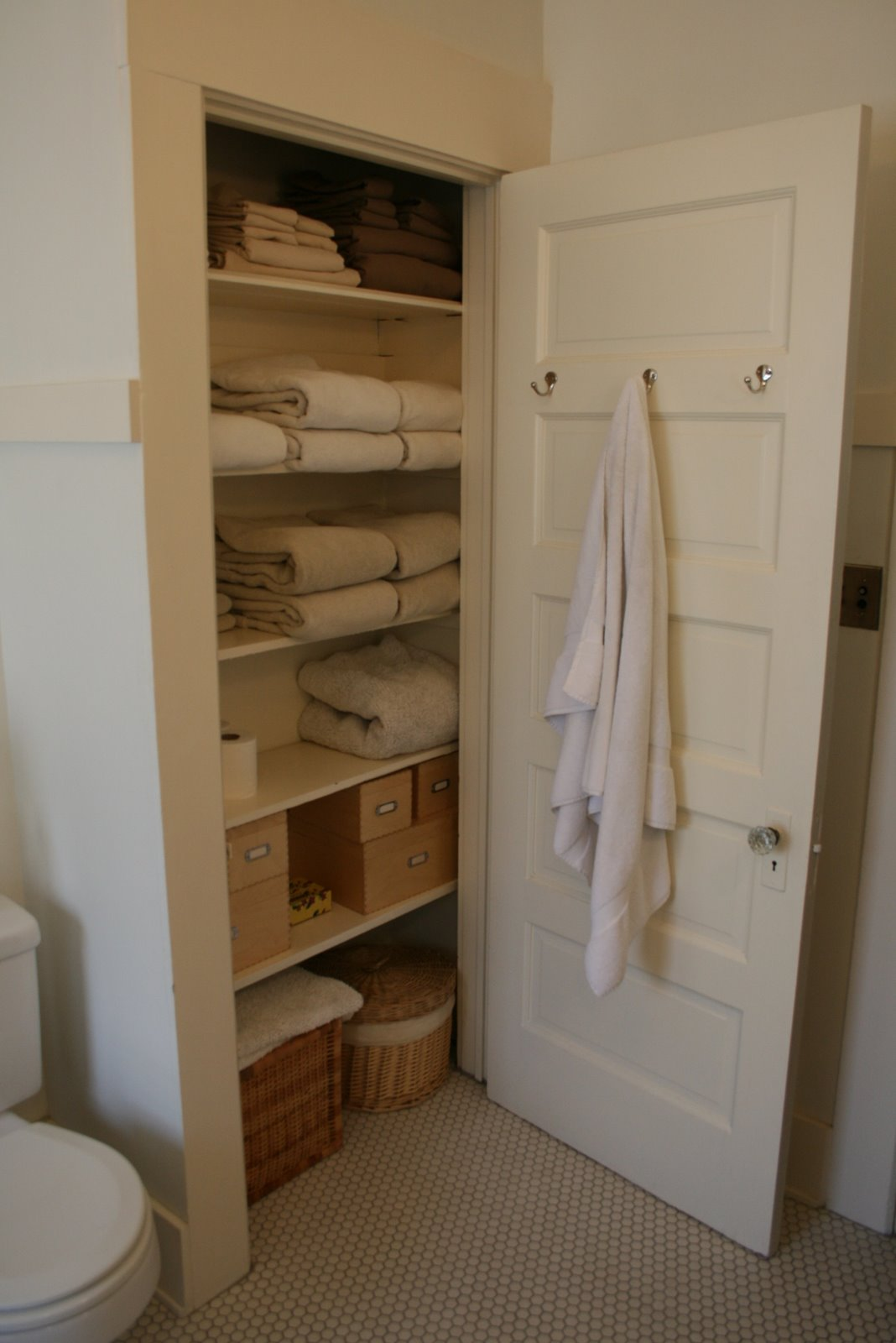 Great Ideas For Small Bathrooms Hello Lover Hello Linen Closet