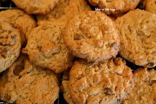 Peanut Butter Oatmeal Cookies - Mom vs the Boys