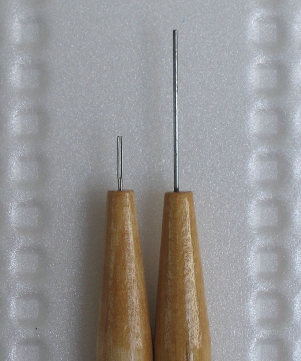 Quilling slotted tool and needle tool with wooden handles and metal tips