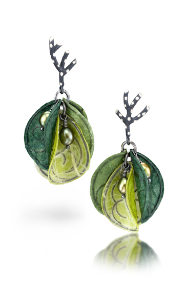 Fine paper earrings in shades of green