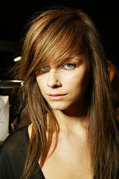 Rather Or Not To Add Bangs A Hairstyle Can Make Huge Difference As Some Kinds Of Hairstyles Look Great Without Fringes And Other