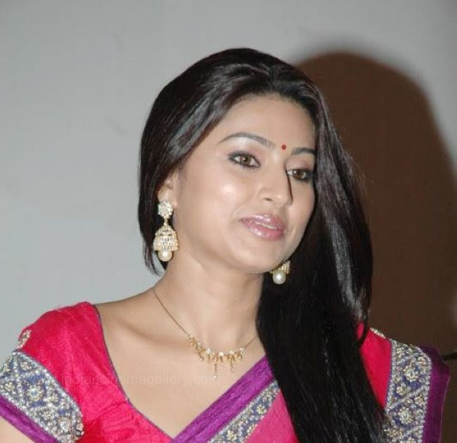 Telugu XXX Bommalu Pictures: Sneha South Actress In Saree