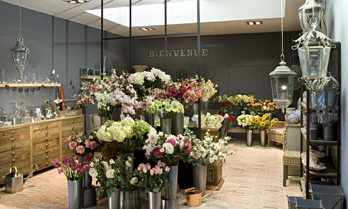 Come arredare un negozio di fiori gq57 pineglen for Negozi di arredamento toscana