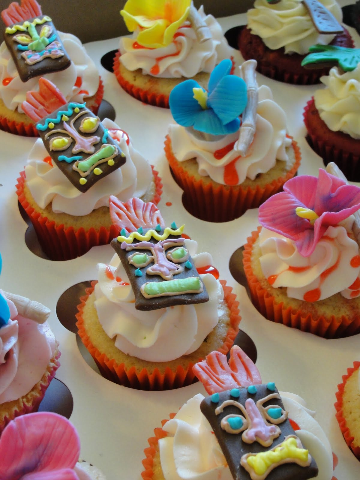 Oh Just Put A Cupcake In It Tiki Party Cupcakes