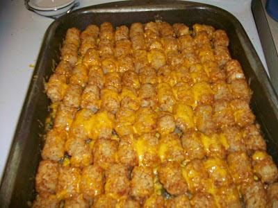 Nay's Yummy Goodness: Tater Tot Casserole