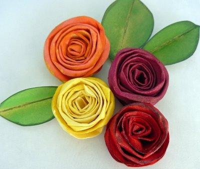 цветы из бумаги розы.