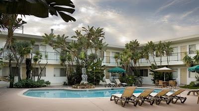 Tiki Apartments Redondo Beach