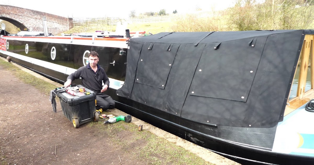 Narrowboat Caxton: New Cratch Cover Fitted