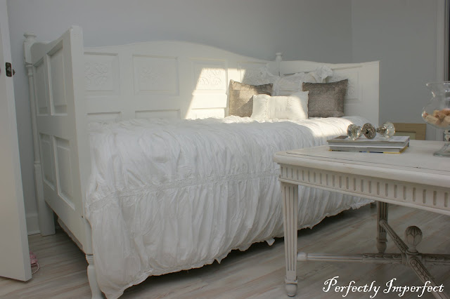 Daybed made out of doors : Remodelaholic daybed made out of used doors guest