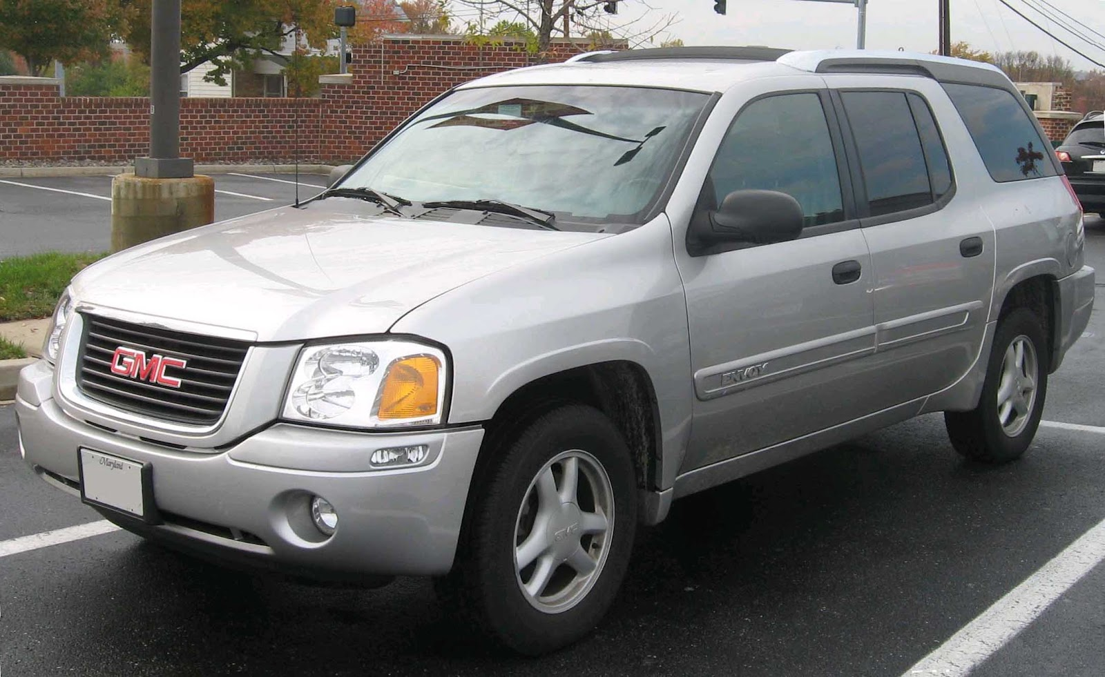 The Ugly Car Blog Gmc Envoy Xuv Dedicated To Cars Of This World