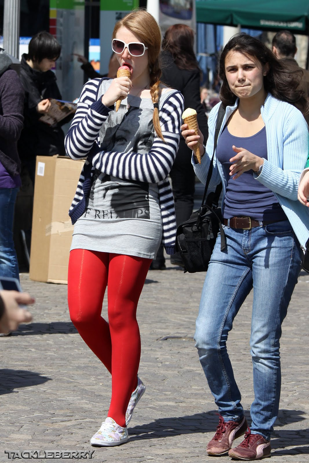 Leggings candid