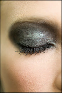 Chanel 2001 Spring/Summer Ready to Wear Beauty eyes
