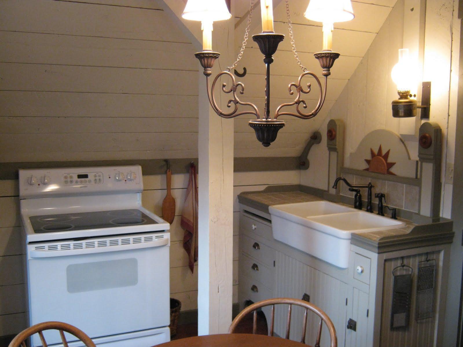 Indescribable Pioneer Homestead: Studio Apartment Kitchen