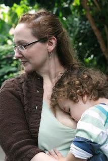 Lauren from nurses her toddler.