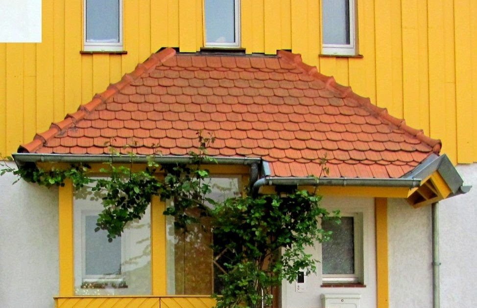 garten anders h bsches vordach windschutz f r die haust r berdachung mit einf hlungsverm gen. Black Bedroom Furniture Sets. Home Design Ideas