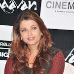 Aishwarya Rai and Abhishek Bachchan Ravaan promo