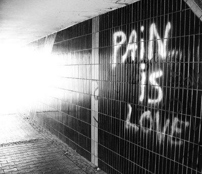 https://i0.wp.com/3.bp.blogspot.com/_58LZxeoR37g/R49AUjoD-uI/AAAAAAAAADg/Qh4pv3kOkJE/S700/pain-love.jpg